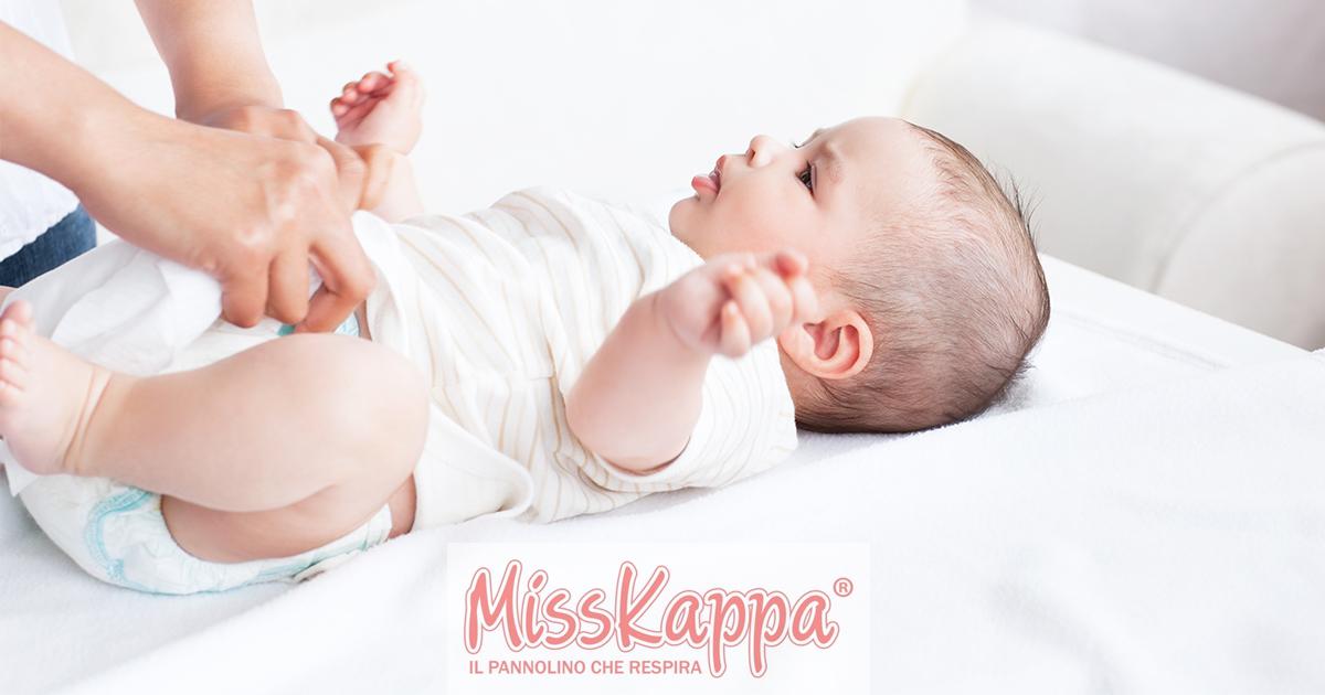 Tutto quello che c'è da sapere sulle feci del neonato