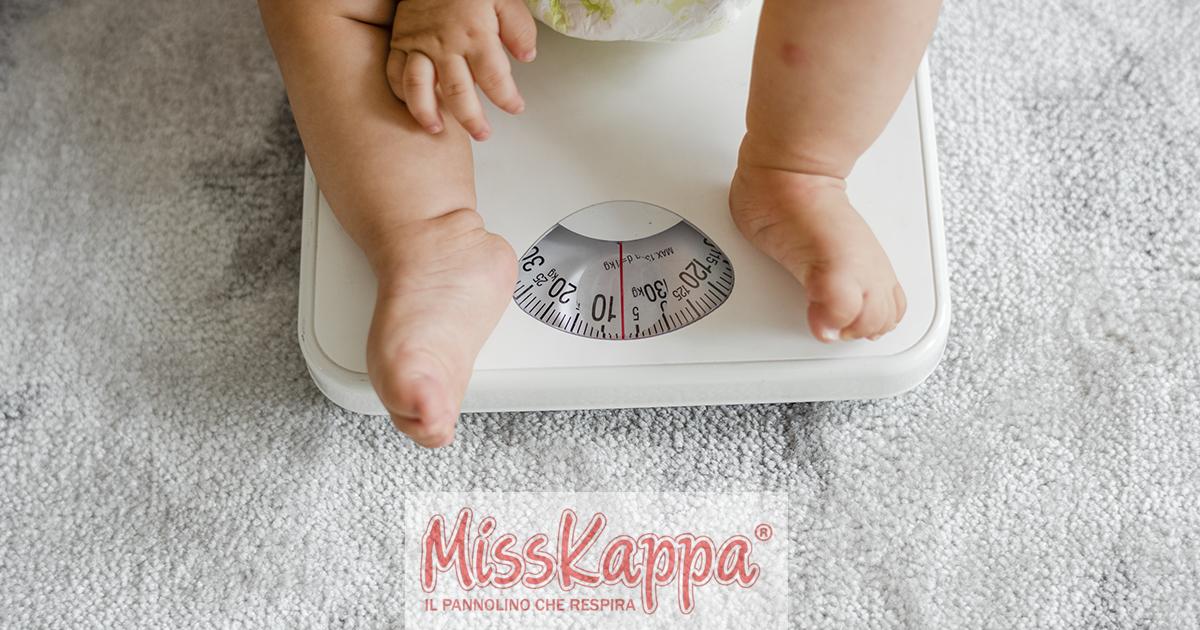 Scatti di crescita fisici di un neonato: cosa sono e come comportarsi